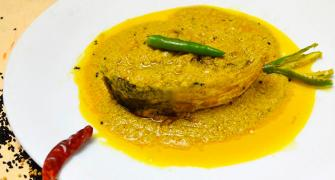 Recipes: Ilish Barishali and Mutton Dakbangla