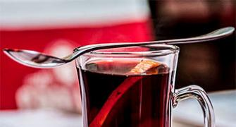 Christmas Recipe: Red Mulled Wine, Spiced Apple Toddy