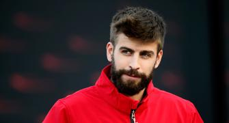 Catalonia vote: Barca's Pique commits to staying with Spain