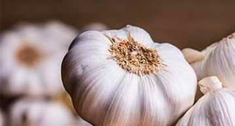 How garlic, tomatoes can help you fight cancer