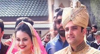 Love triumphs. IAS topper Tina Dabi marries Kashmiri batchmate