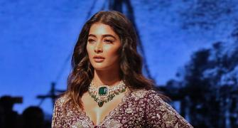 Breathtaking! Pooja Hegde's no make-up bridal look