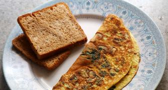 SEE: How to make Mushroom and Spinach Omelette