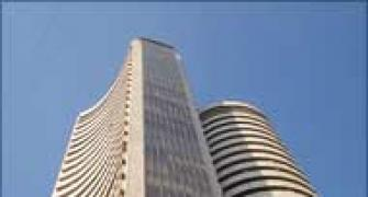 Sensex ends up 61 points at 18,824