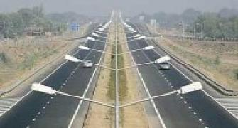 NHAI to award projects worth Rs 1 lakh crore
