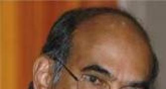 Banking regulations should be streamlined:Subbarao