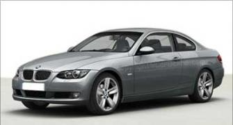 BMW 330i to replace BMW 325i