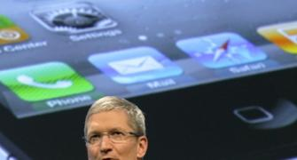 Apple CEO Tim Cook gets $380-mn pay for 2011