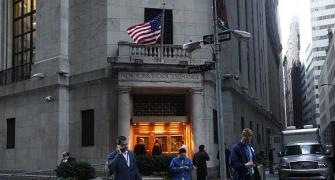 Wall Street reopens after two-day shutdown