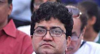 Creative people are not contract killers: Prasoon Joshi