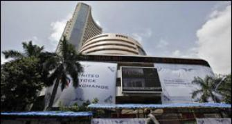 Sensex jumps 227 points as rate-cut hopes aid