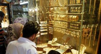 Hawala premiums double as gold smuggling zooms