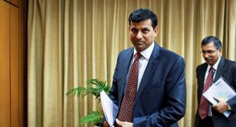 Forex reserves below Chinese level not comfortable: Rajan