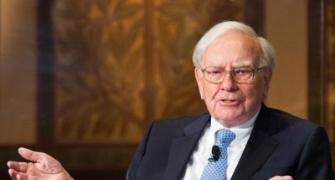 Warren Buffett made about Rs 228 crore a day in 2013