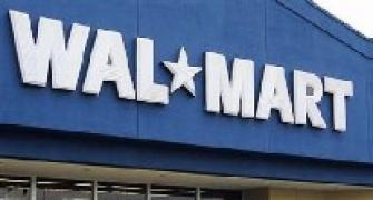 Wal-Mart plans novel way to deliver packages