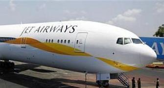 Jet Airways Q4 net loss widens to Rs 496 crore