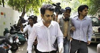 SC shifts Unitech's Chandras to Maharashtra jails