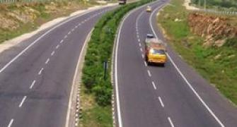 Govt mulls Rs 1-lakh-cr road financing corp