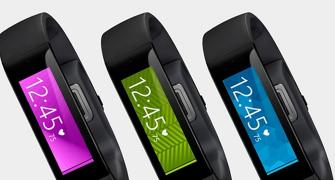 Microsoft joins wearables race, unveils smart band