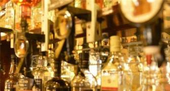 India may ban imported liquor at army shops