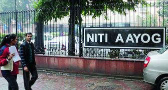 5 things that differentiate NITI Aayog from PlanCom