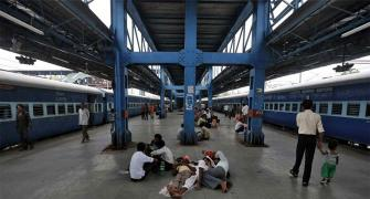 Gujarat has cleanest railway stations, Bihar dirtiest