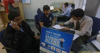RBI puts curbs on HDFC Bank over data centre outage