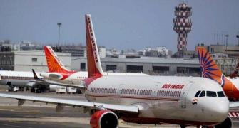4 foreign airlines show interest in Air India stake sale