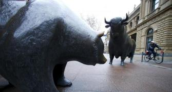 In 2018 will the markets see a bull run or be in a bear hug?