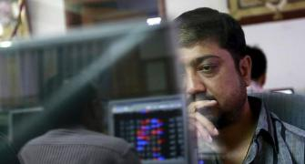 Investors lose Rs 9.56 lakh cr in stock market plunge
