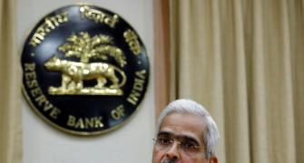 RBI keeps rates unchanged;retains accommodative stance