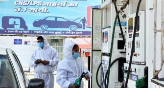Petrol, diesel prices depend on govt, not crude rate!