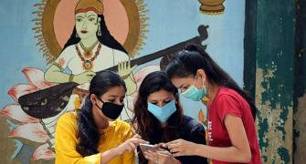 India may pip China, Vietnam to be mobile export hub