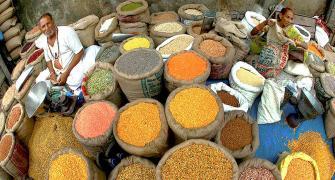 Pulses stock limit: Govt tweaks norms