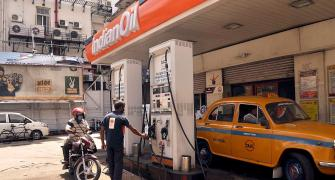 Petrol above Rs 100 in many districts of MP, Maha, Raj