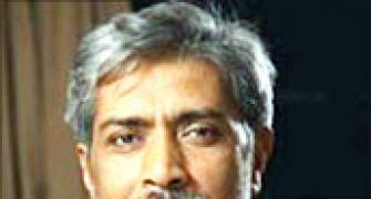 Prakash Jha ready to remove 'objectionable' scenes from Aarakshan