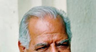 Wrestler-actor Dara Singh passes away