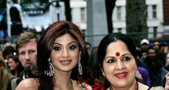 Shilpa Shetty seeks solace in mom's wise words
