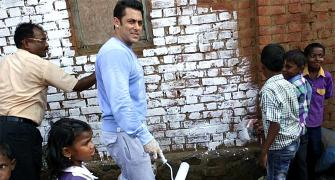 PIX: Salman Khan does his bit for Narendra Modi