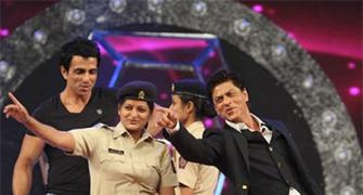 PIX: Shah Rukh, Priyanka, Deepika dance for the Mumbai Police