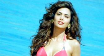 Want a bikini body like Esha Gupta? Read this!