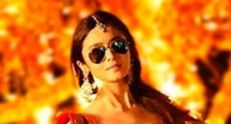 Kat, Alia or Sonakshi? Who wears the Kala Chashma best? VOTE!