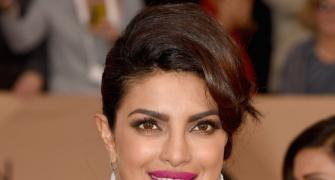 2016 SAG Awards: Priyanka makes a STUNNING appearance