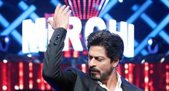PIX: Shah Rukh Khan, Arjun Kapoor perform at Mirchi Music awards