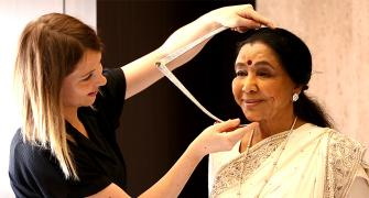 Asha Bhosle at Madame Tussauds!