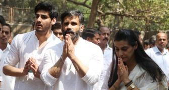 PIX: Amitabh-Abhishek attend Suniel Shetty's father's funeral