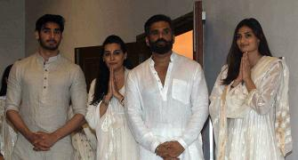 Bollywood pays its last respects to Suniel Shetty's father