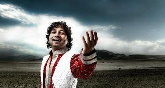 Watch: Kailash Kher sings for India!