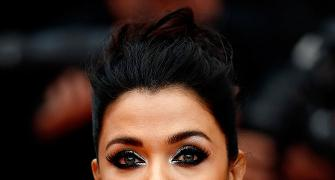 Cannes: Oops, Aishwarya does it again!