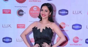 Ankita pays tribute to Sushant at Zee Rishtey Awards